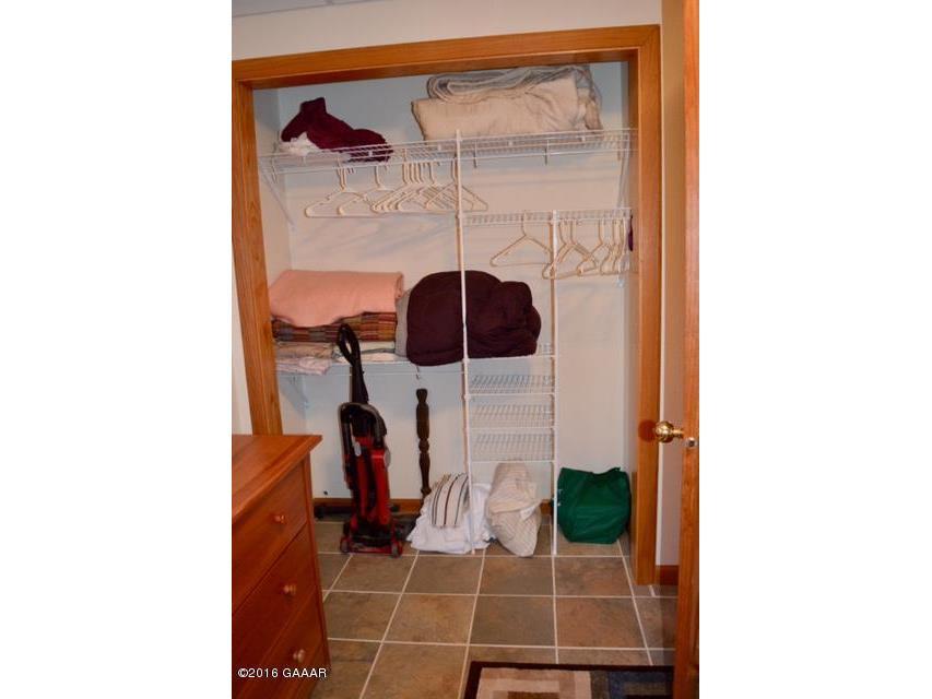 Casa Marina LL BR closet