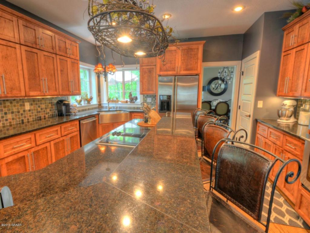 Main Level : Kitchen
