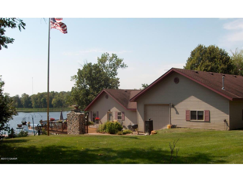 Dead Lake Home