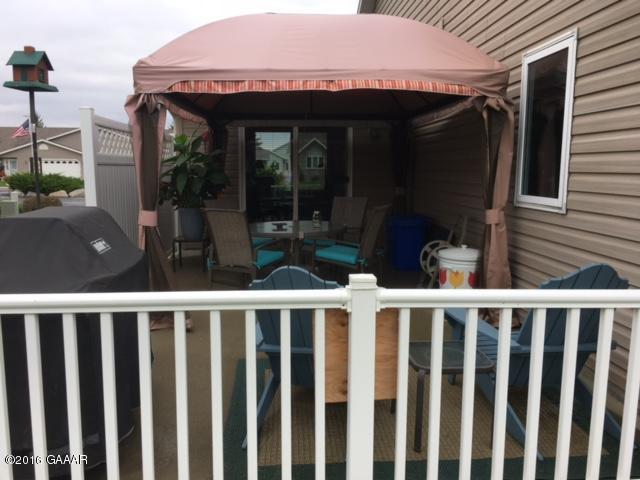 Blom patio view2