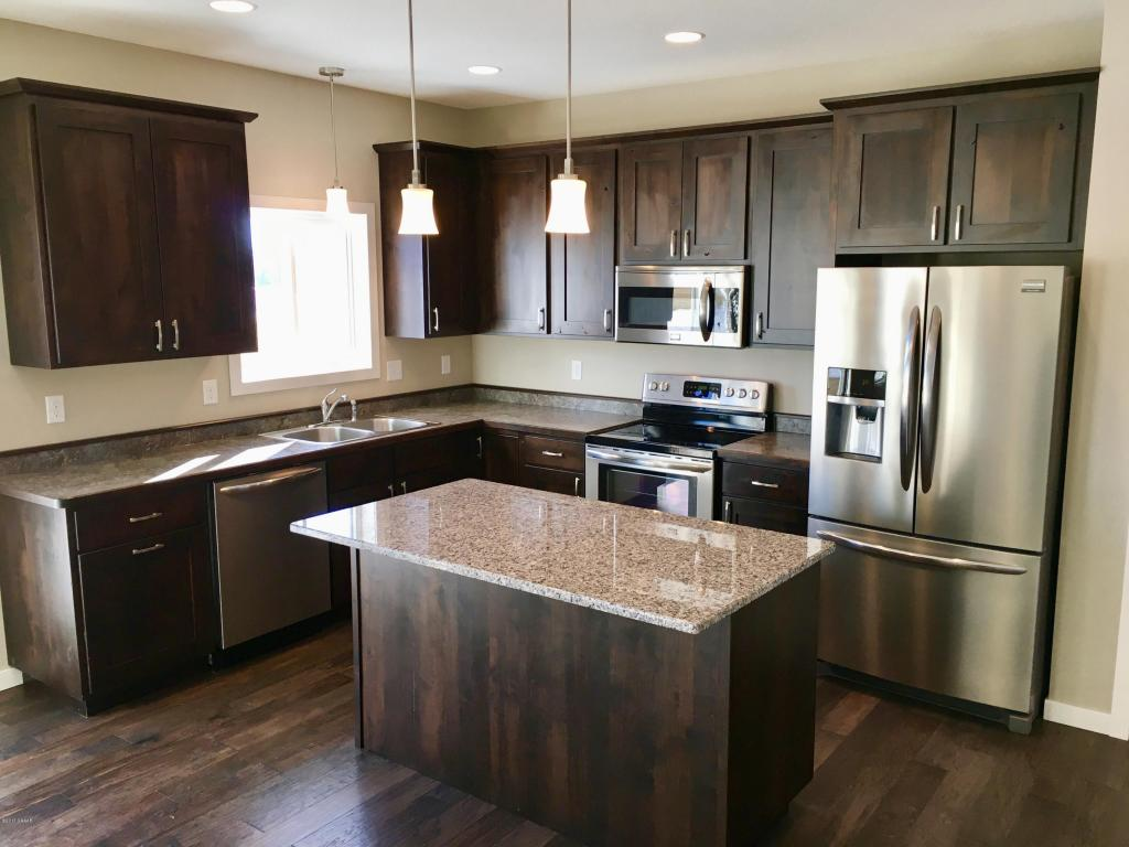 Kitchen/Living Room 2