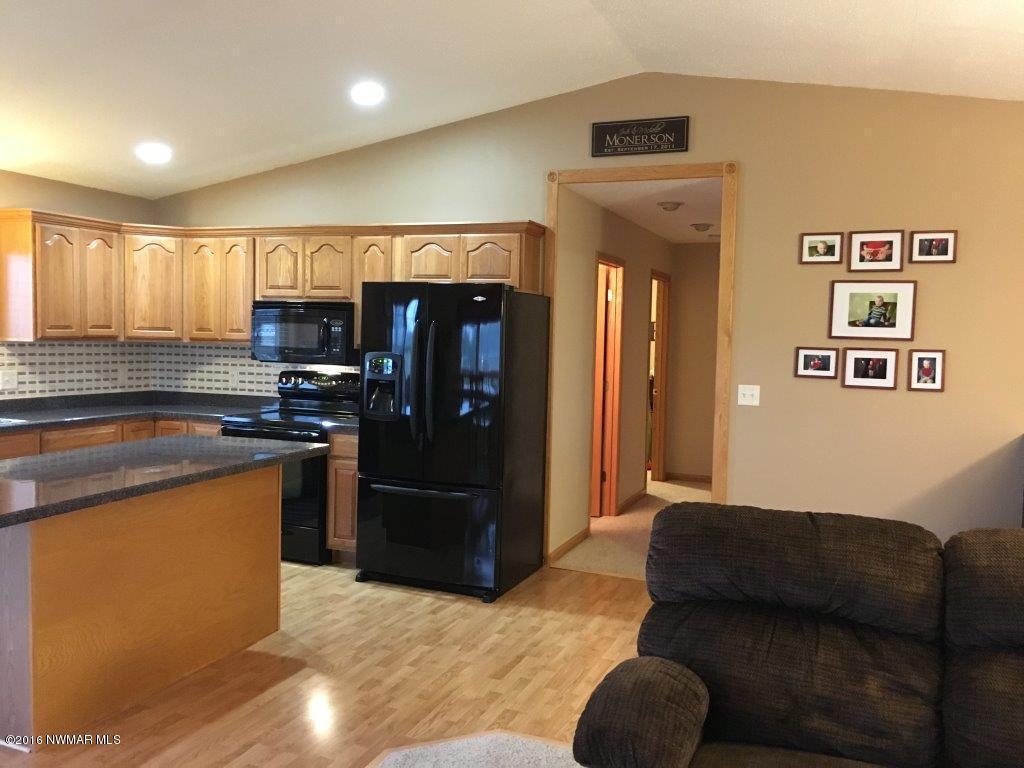 Interior - Kitchen 8
