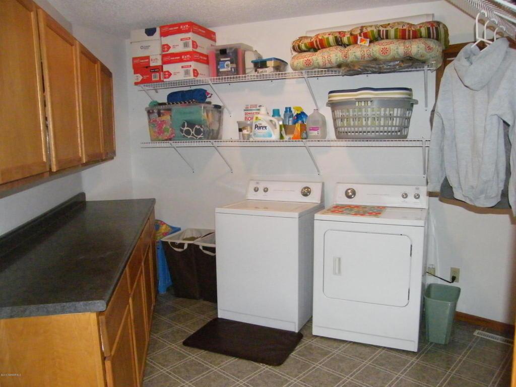 22649 125thstne laundry main1