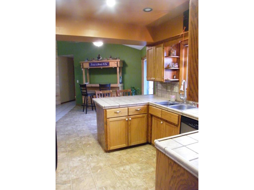 22649 125thstne kitchen 4