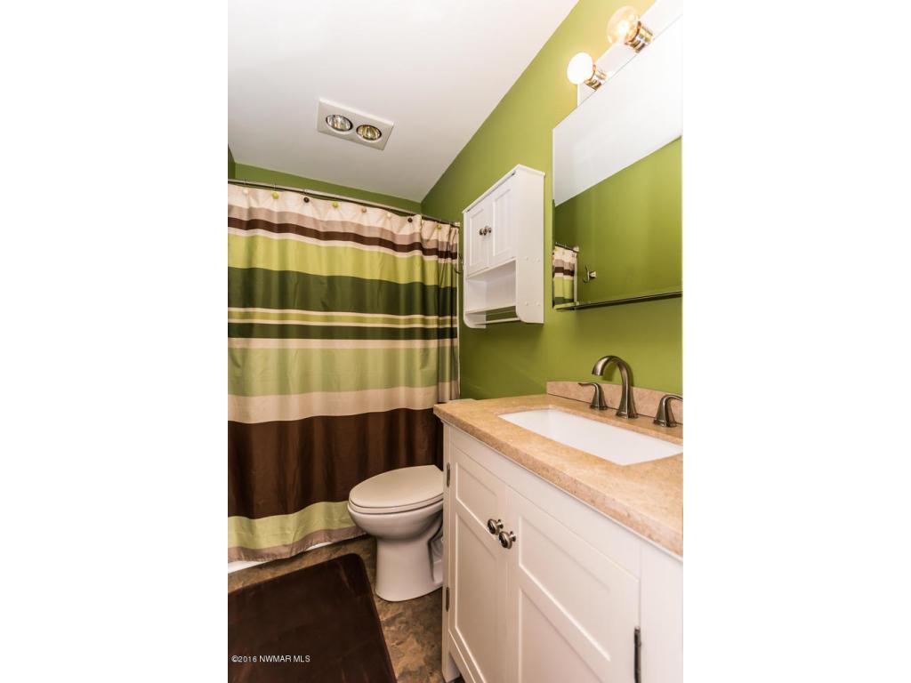 319 Jackson Ave Crookston MN-large-010-1