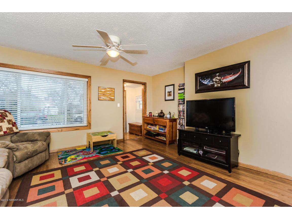 319 Jackson Ave Crookston MN-large-008-4