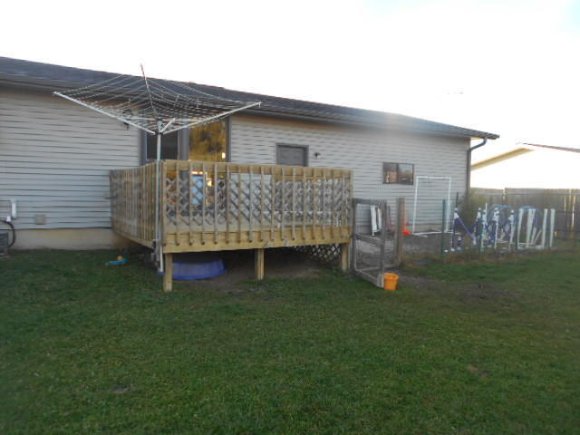 Deck, plus smaller fenced area