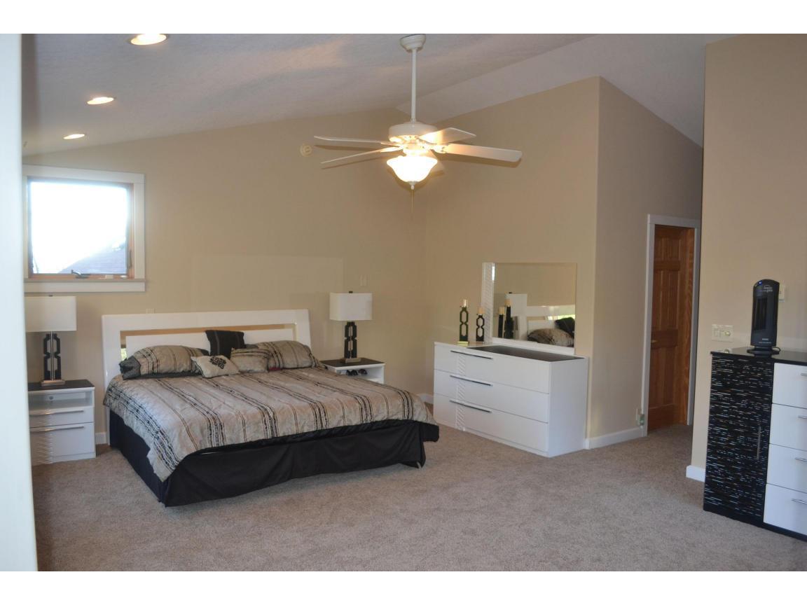 117 master bedroom
