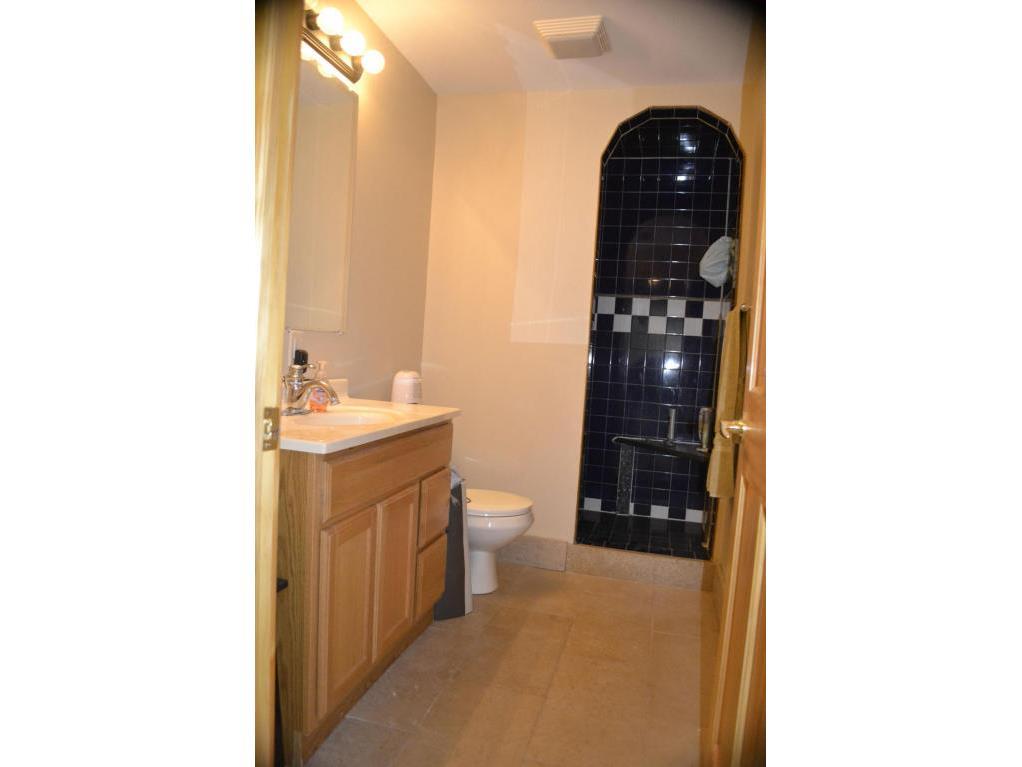 124 Bathroom 2 (2)