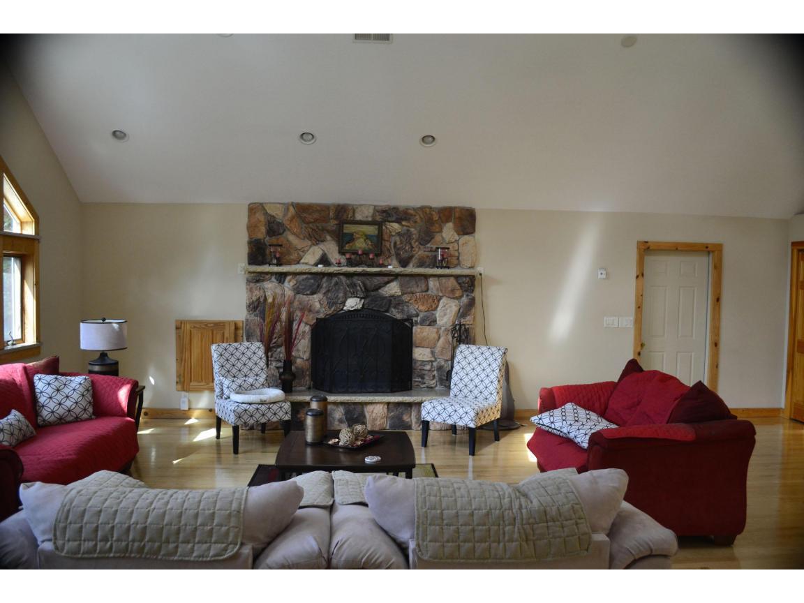 108 Livingroom 3