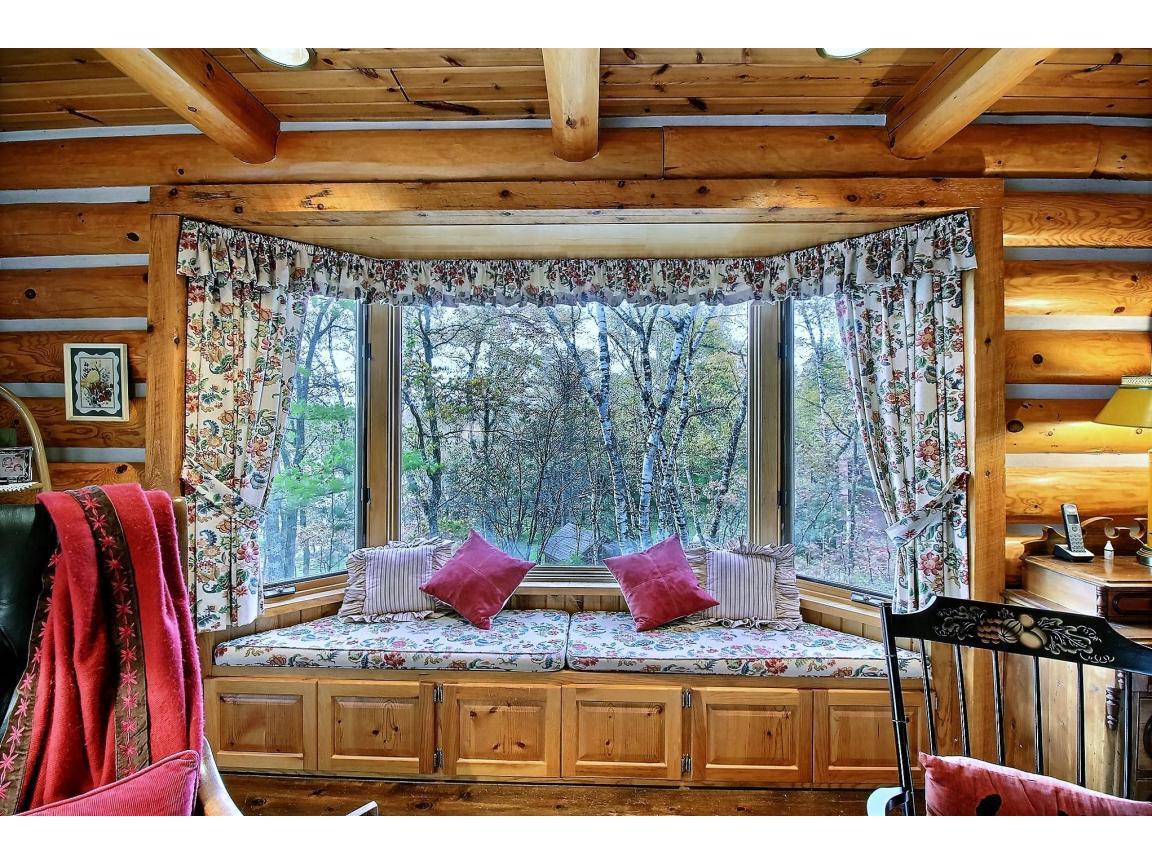 masterbedroom_windowseat_0024