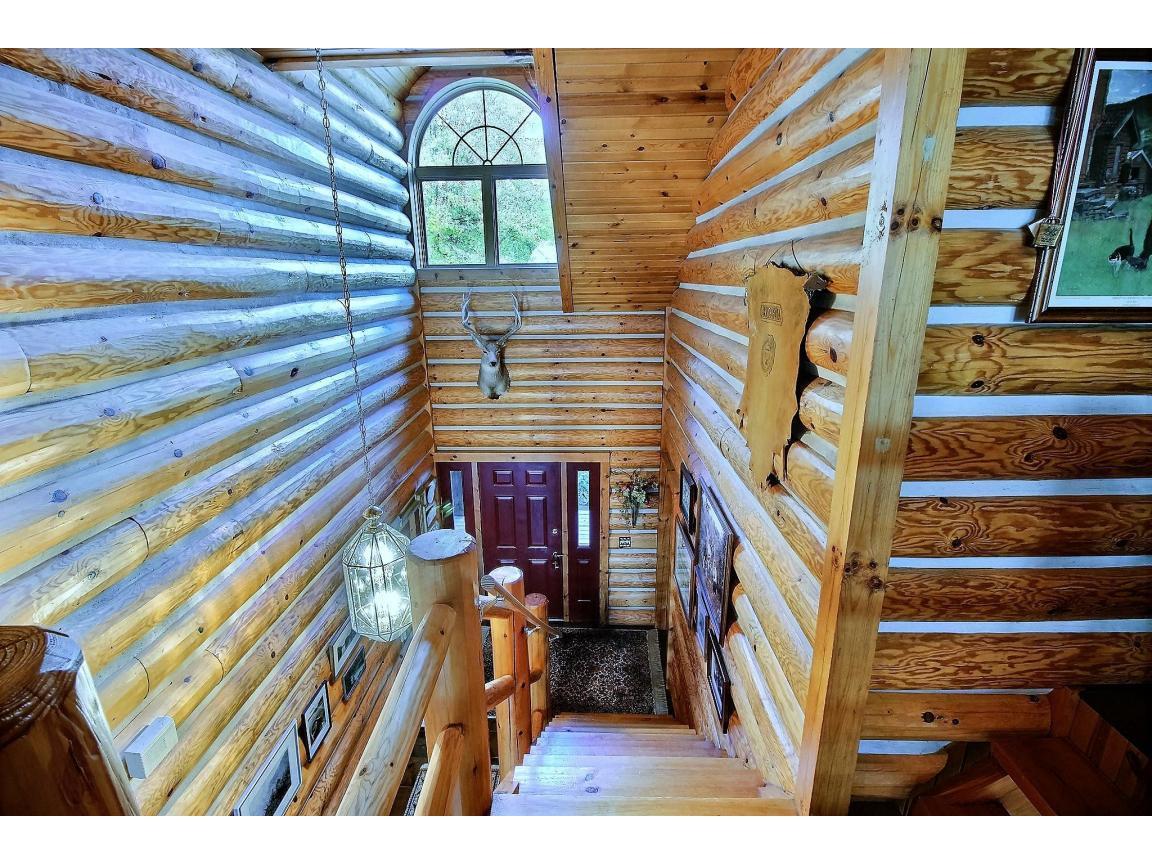 upstairs_view_0005