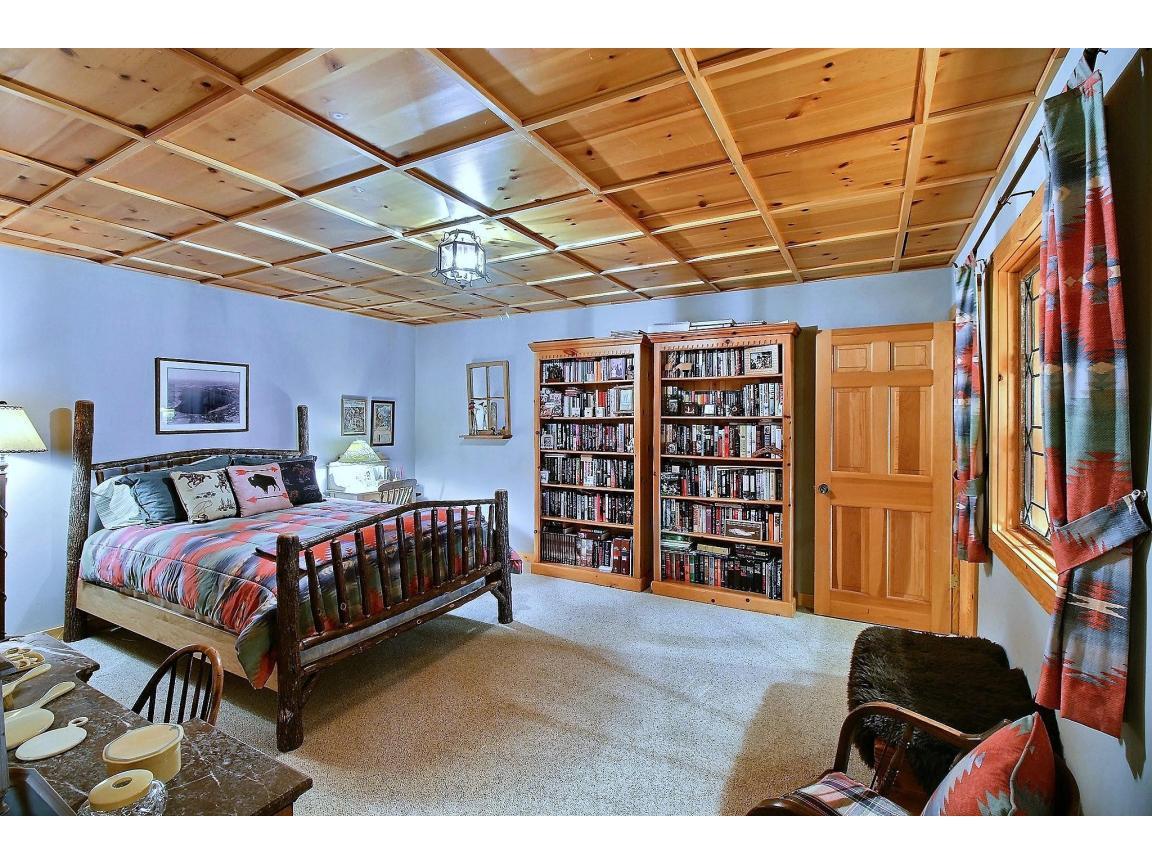 basement_bedroom_0065