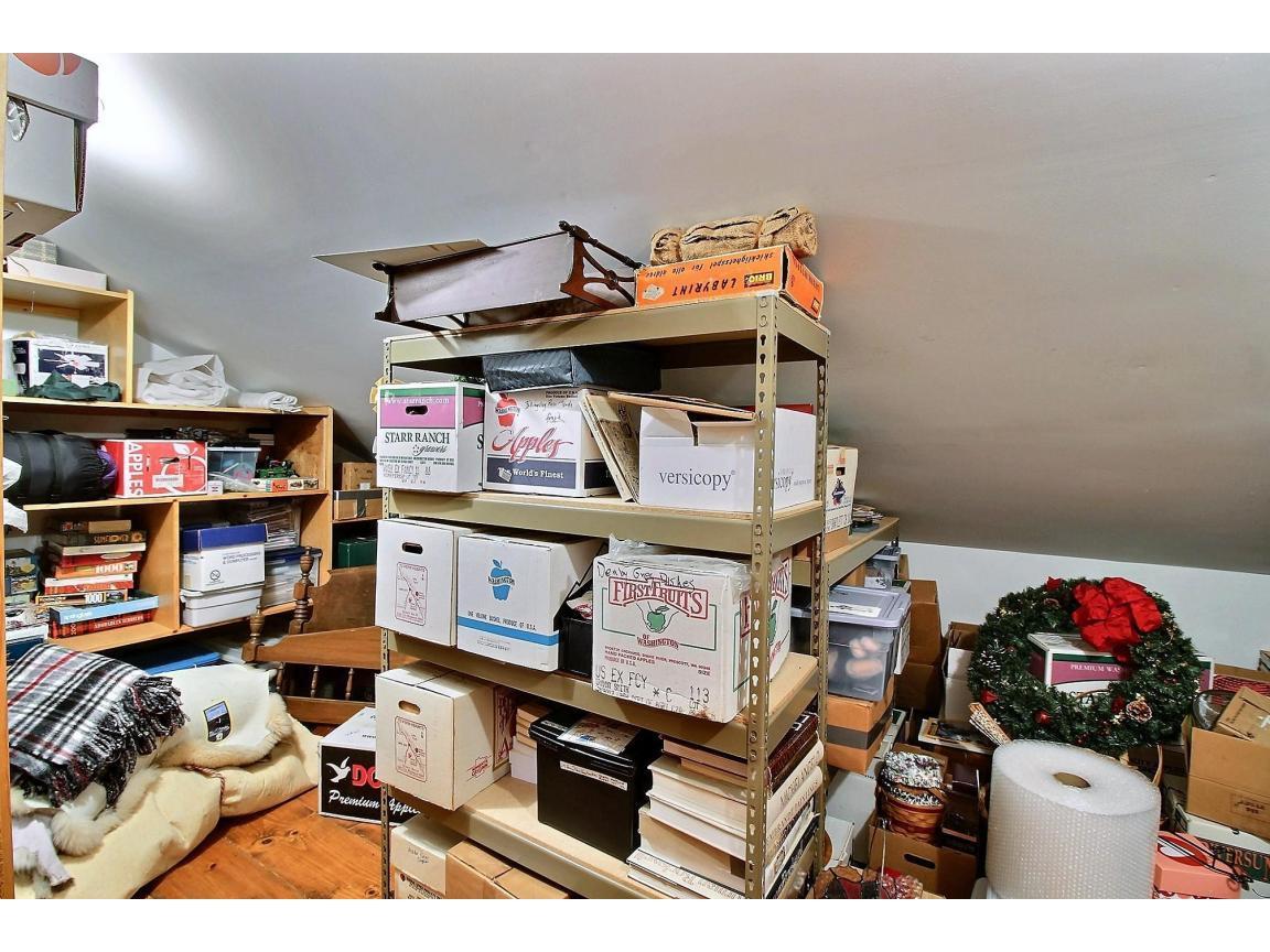 unattached_garage_storage_0100