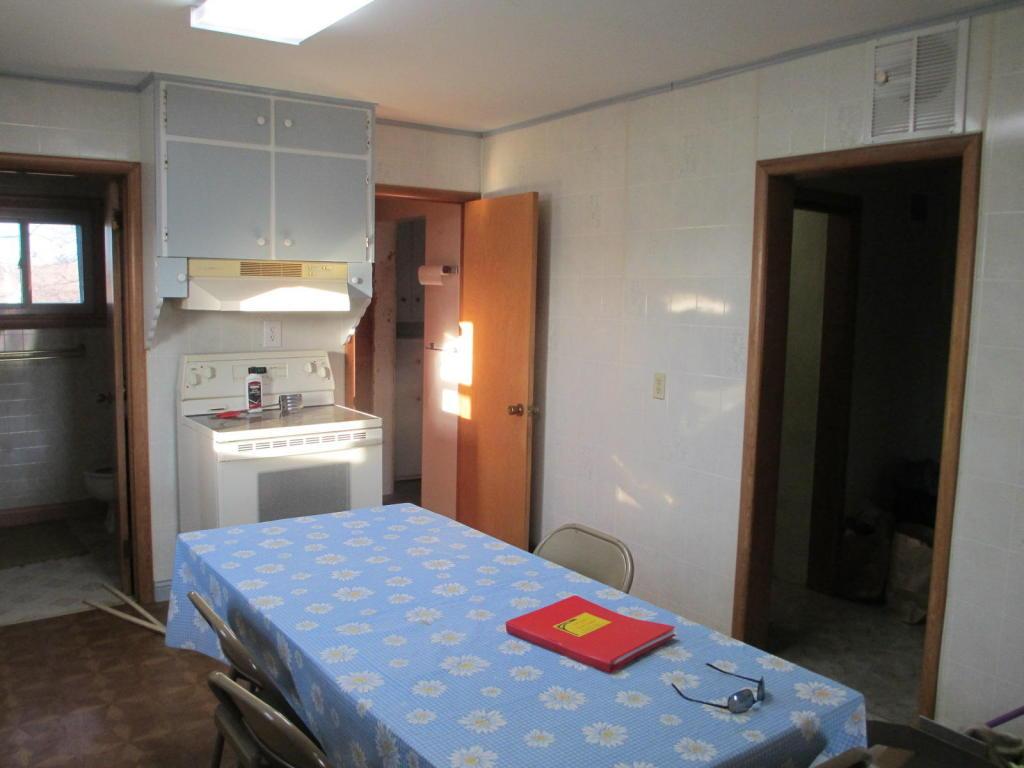 view 2 kitchen