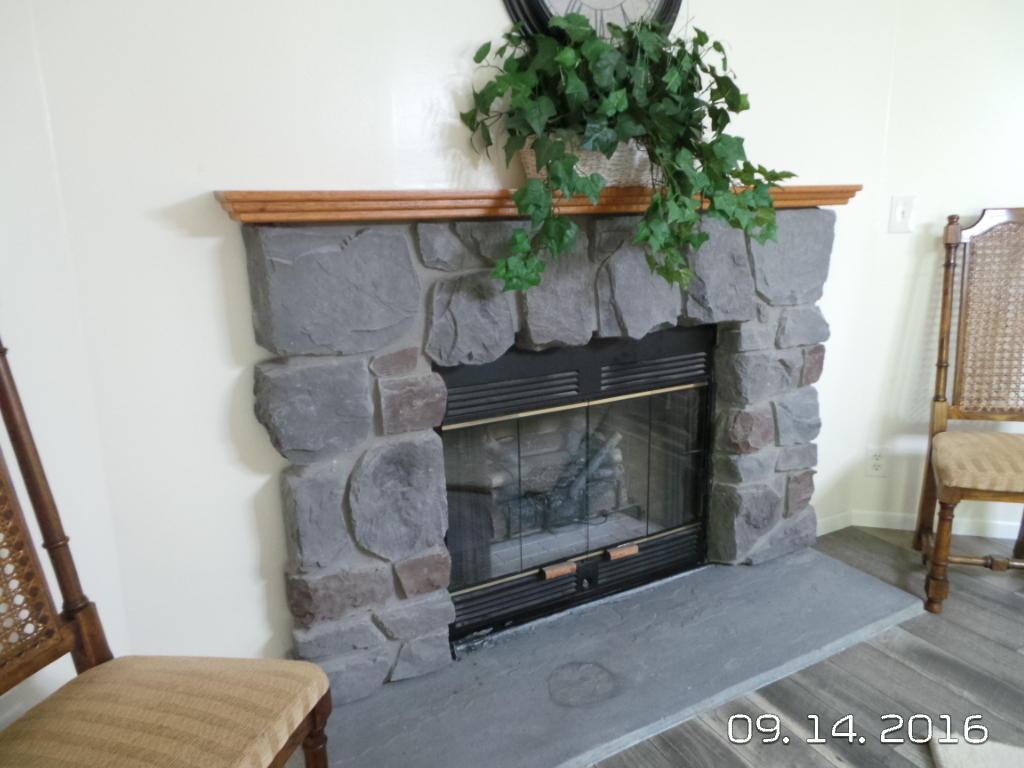 Fireplace Dinette