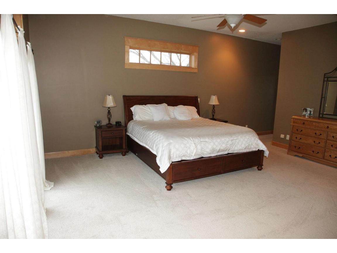 023 master bed