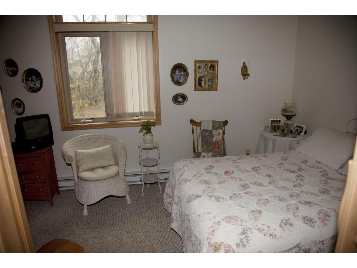 042 guest quarters