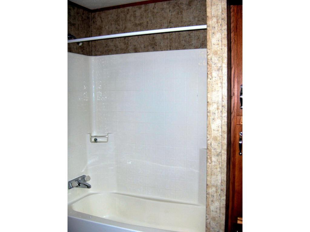 14 - Bathroom