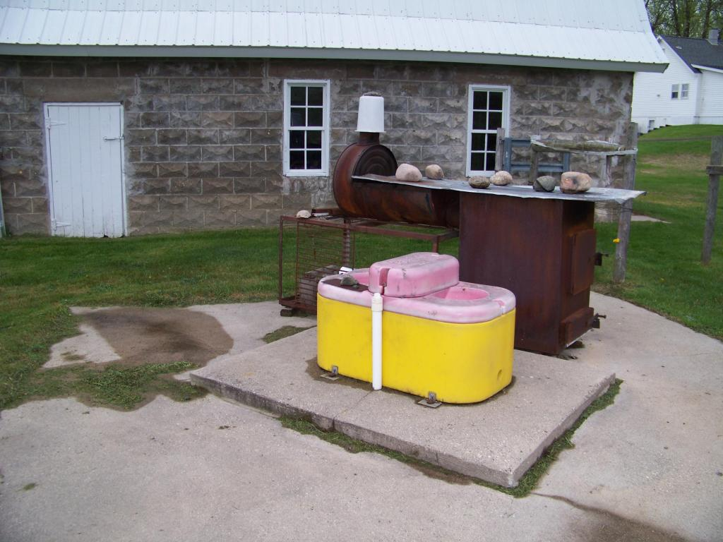 Ritchie water tank
