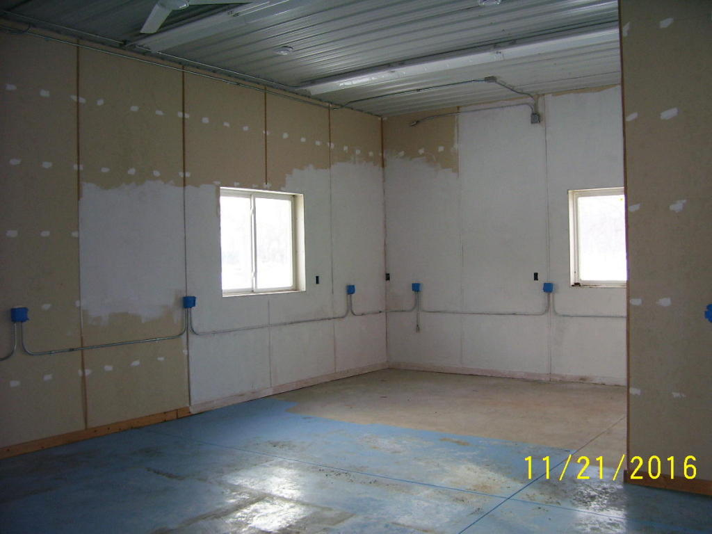 Work bay in garage