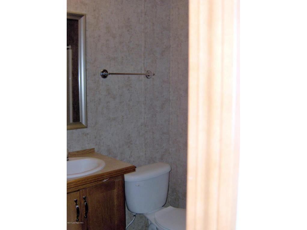 15 - Bathroom