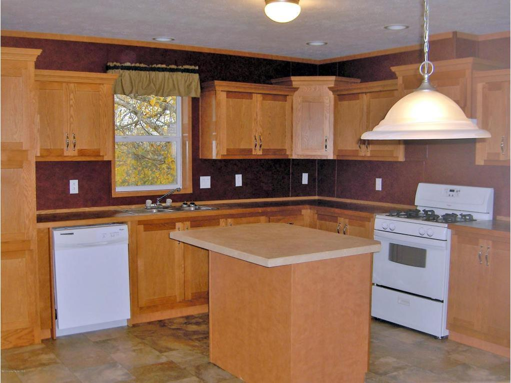 6 - Kitchen