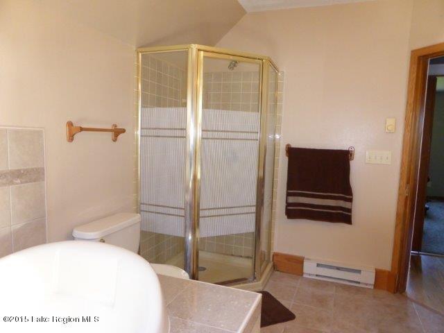 31. upper bedroom