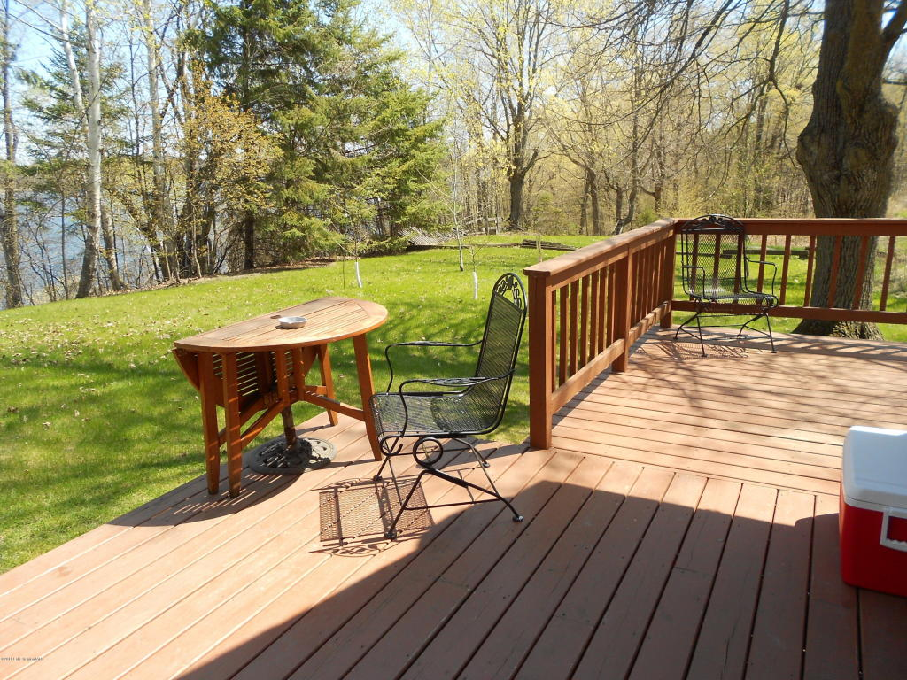 Deck with partial railing