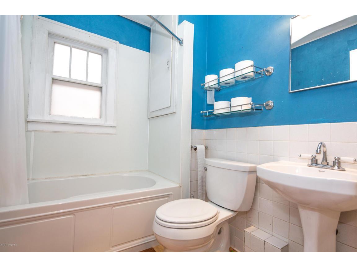 16 - Bathroom