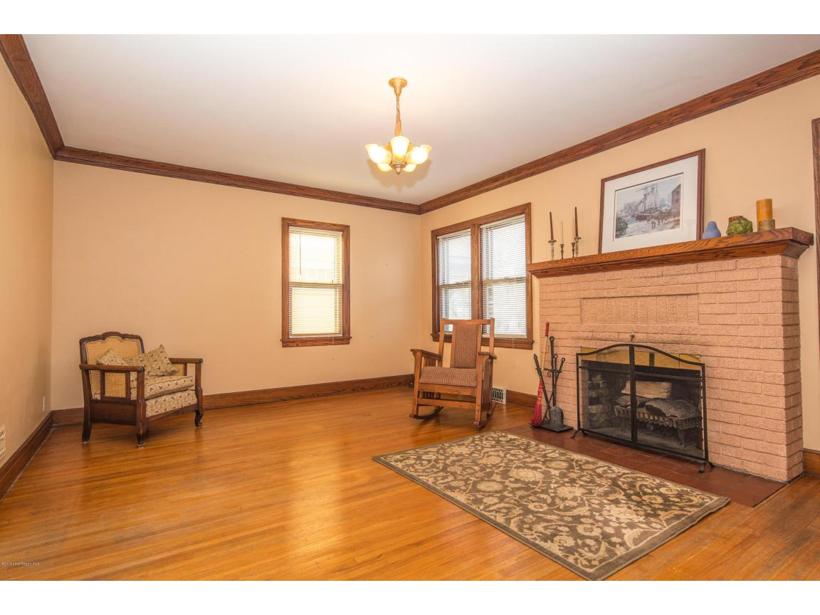 12 - Living Room