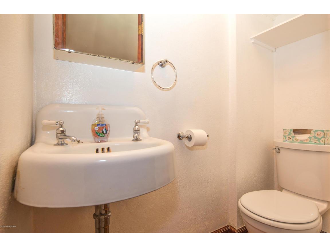 27 - Upper Bath