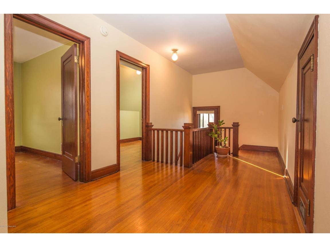 28 - Upper Hallway