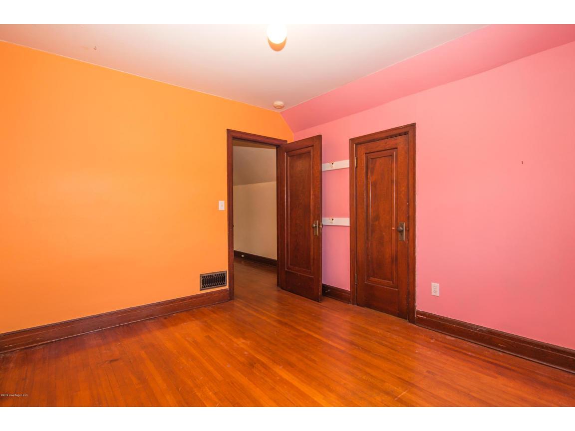 32 - Bedroom 4
