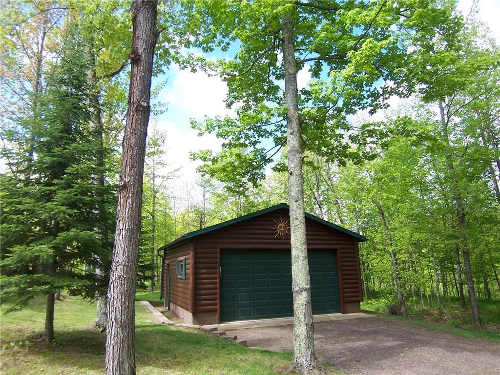 Log Cabin with Garage