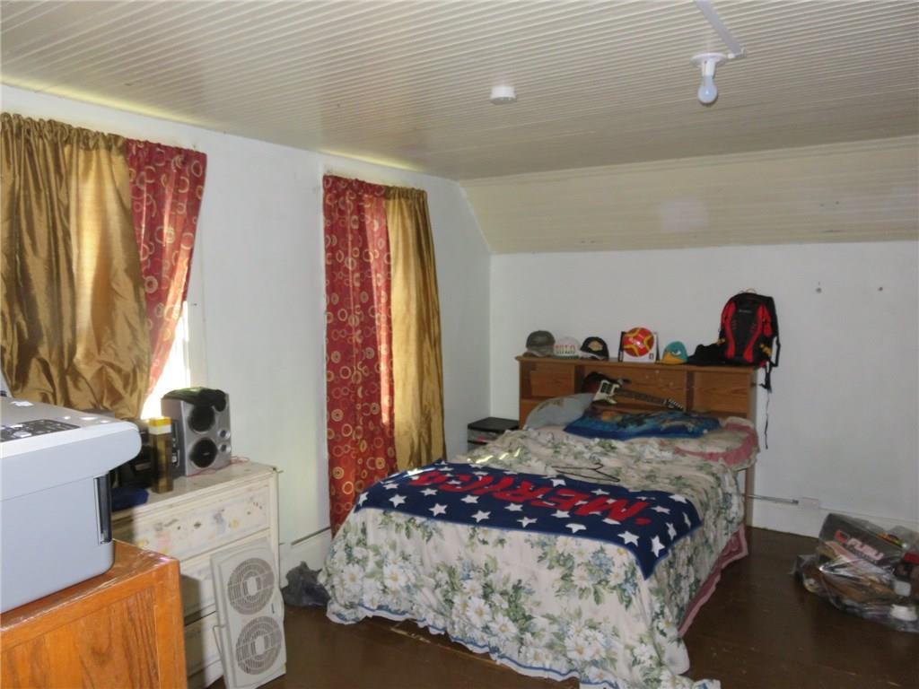 Front upper bedroom.
