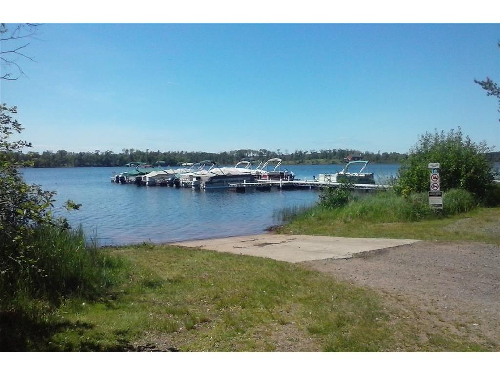 East Cadotte marina, one of eight private Voyager Village marinas. Four of the marinas have sandy swimming beaches with beach houses with bathrooms, showers, and changing rooms.