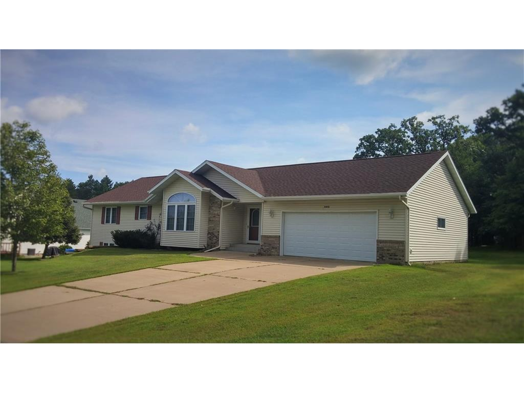 Ranch home in quite Oak Ridge subdivision, overlooking a park like setting.