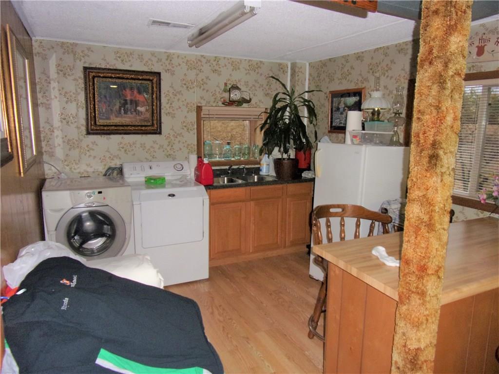 Lower Kitchen/Laundry