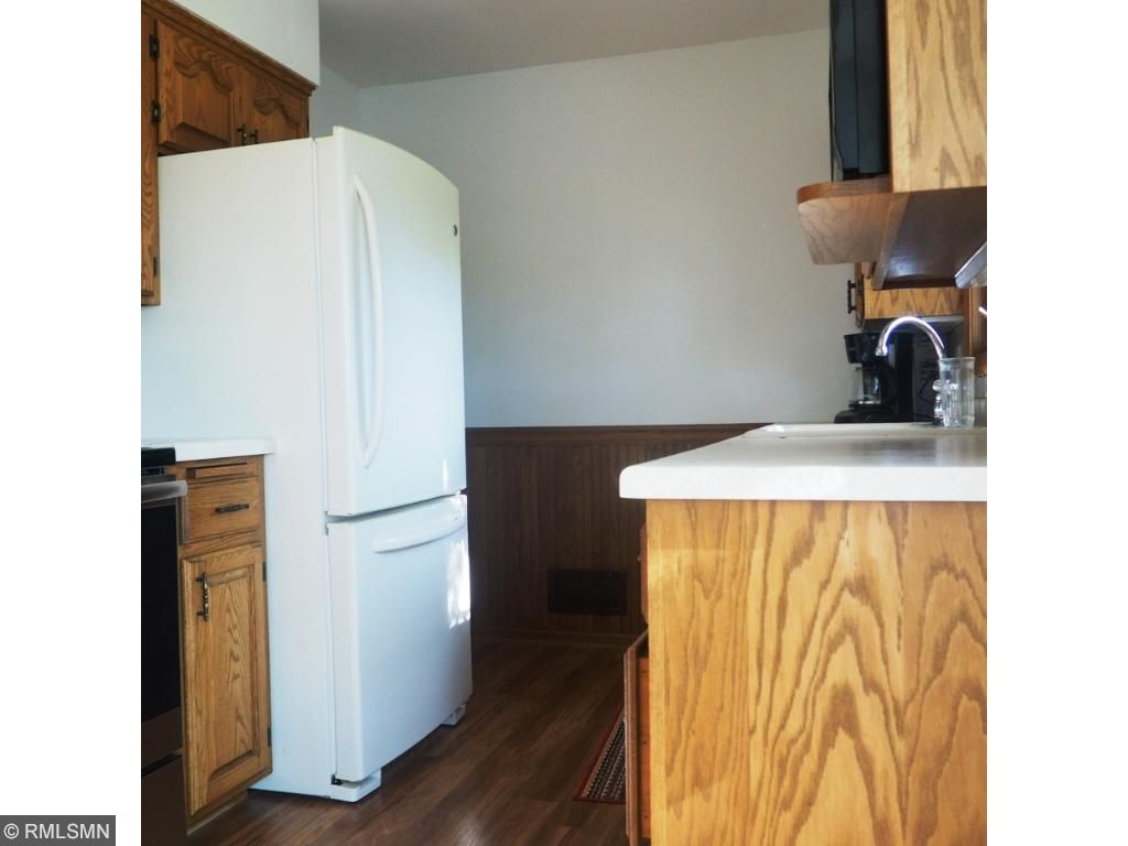 Super clean kitchen- and look at that new floor