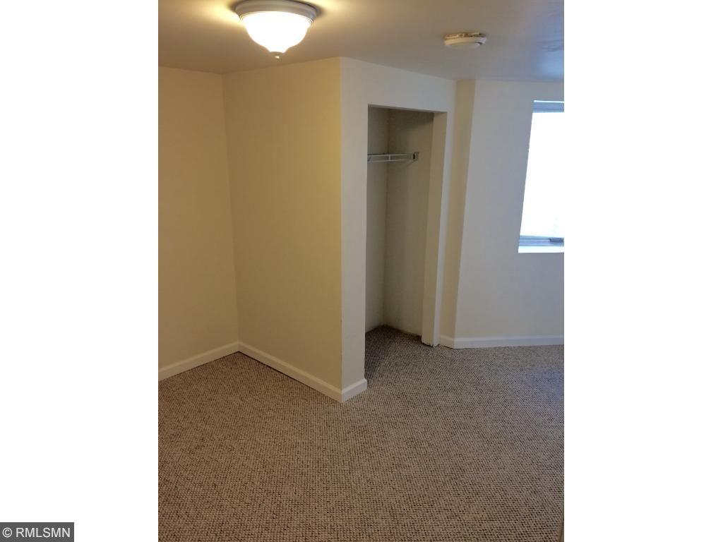 Back 5-Bedroom Unit - Lower Level Bedroom