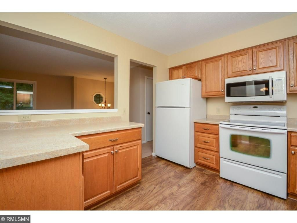 Gorgeous kitchen with stunning cabinets and a new dishwasher!