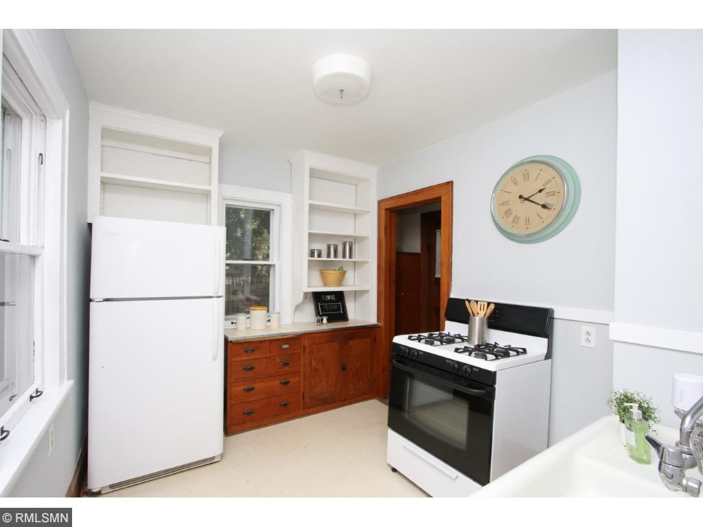 Cheery and bright kitchen!  Move in ready!