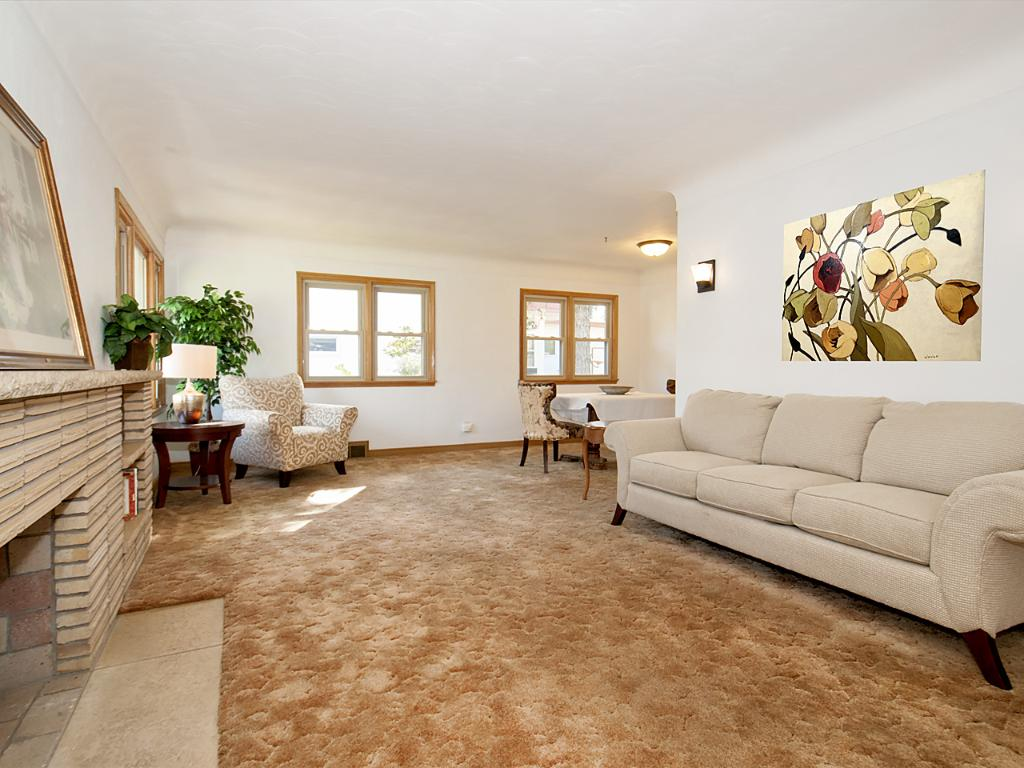 Spacious Living Room/Dinning Area with lots of light.