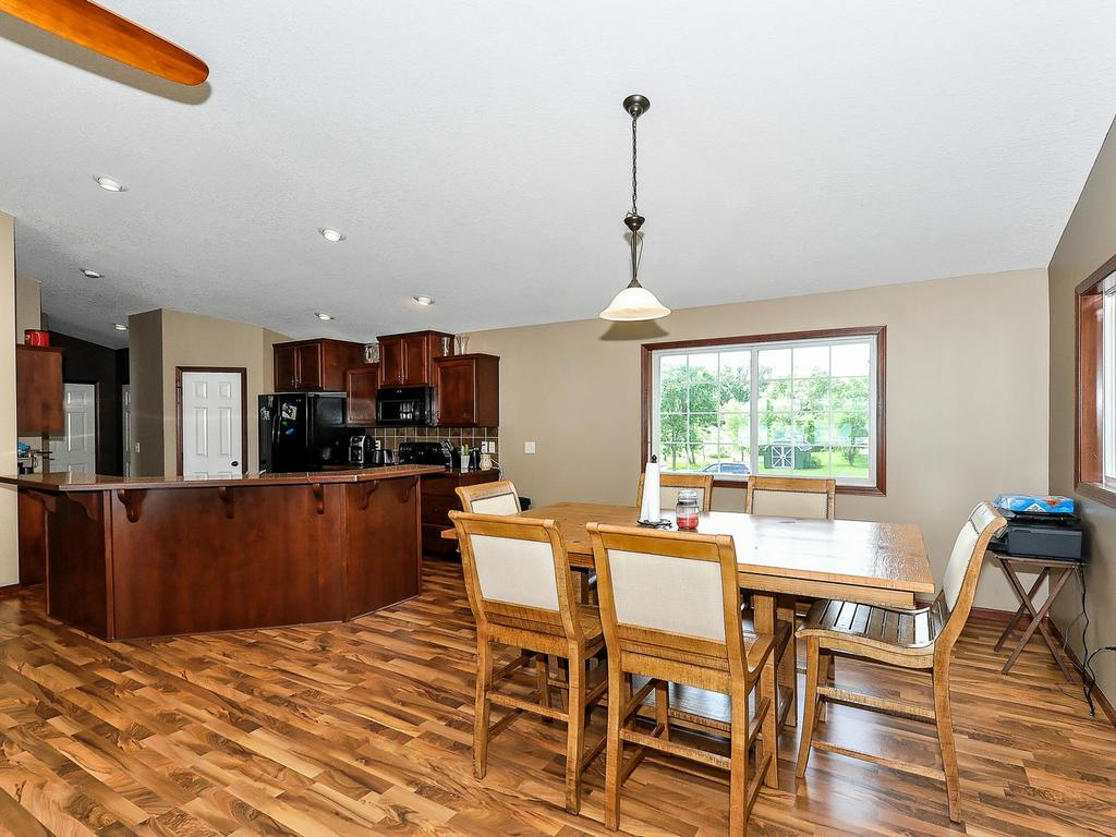 Lots of Space for Dining Options!