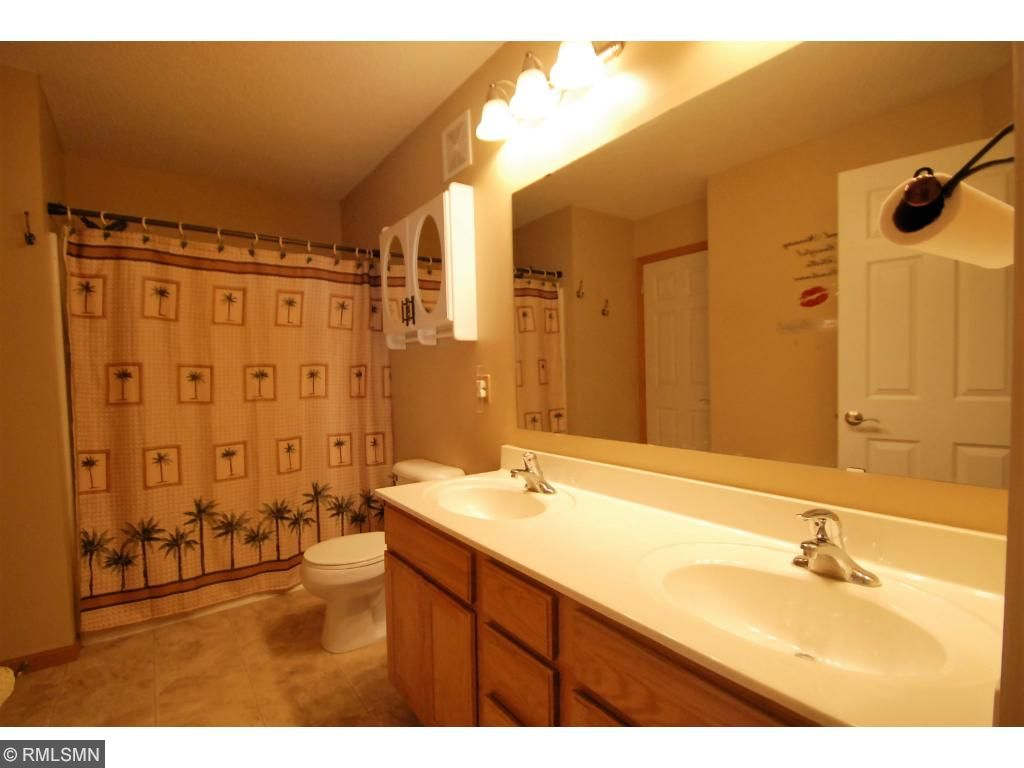 Upper Full Bath w/Double Sinks