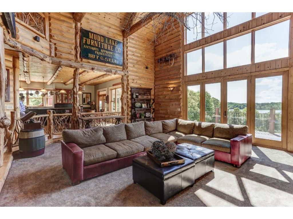 Dramatic Lakeview's! Great Entertaining Areas/Cozy Living.