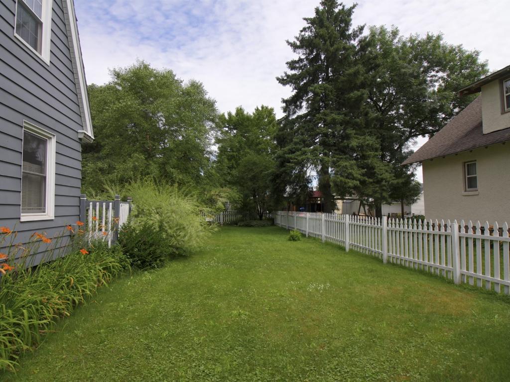 Huge side yard that is fenced.