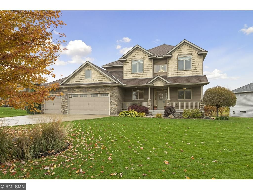 Welcome to 10725 Jersey Dr N in the Oxbow Creek West neighborhood!