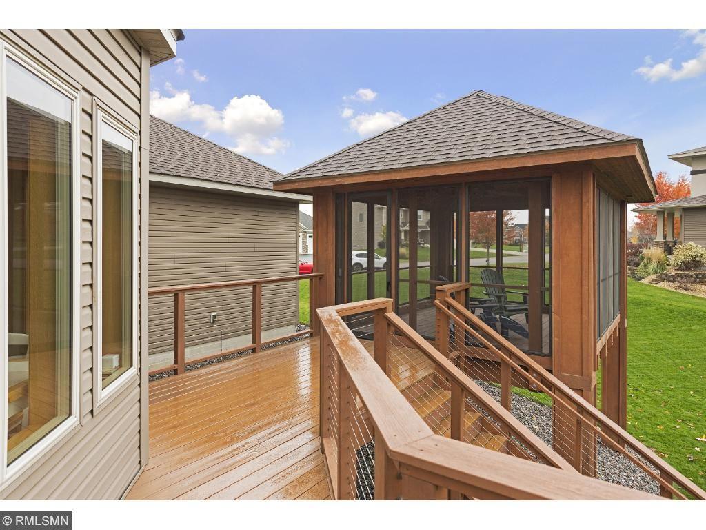 You'll LOVE this 3-season porch!